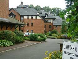 Lawnsmead Gardens - The Lodge , Union Street Newport Pagnell